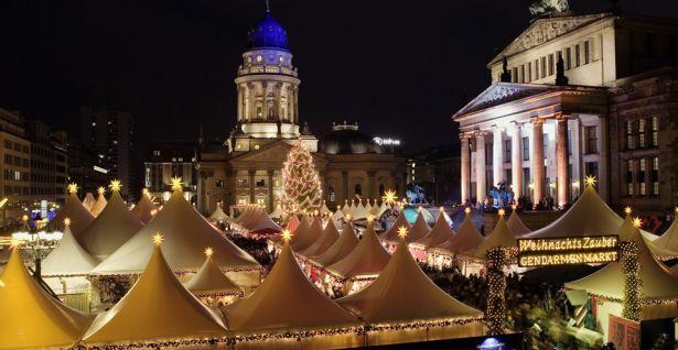 20-weihnachtsmarkt-am-gendarmenmarkt-c-scholvien_960x496_0