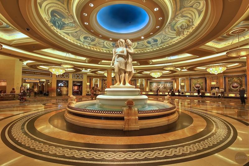 las-vegas-caesars-palace-lobby-L