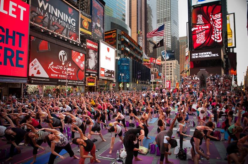 times-square-yoga-46